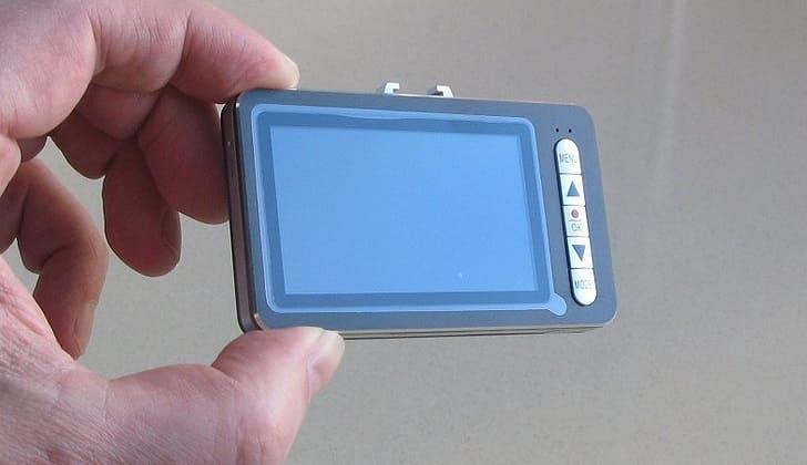 Мини-регистратор HD330-LCD