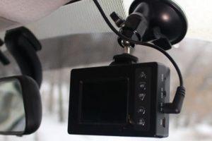 Популярные способы подключения видеорегистратора в машине без прикуривателя