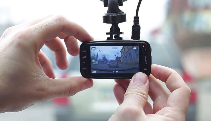 Videoregistrator-s-datchikom-dvizheniya-1