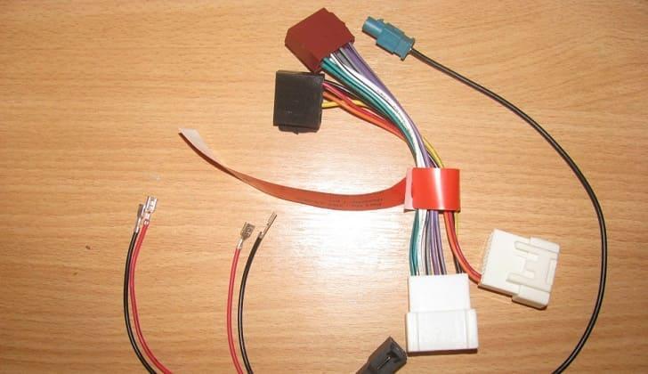 Адаптеры и другие кабеля для монтажа автомагнитолы