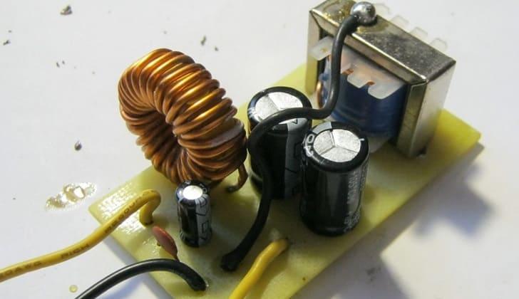 Фильтр питания 12В для автомагнитолы