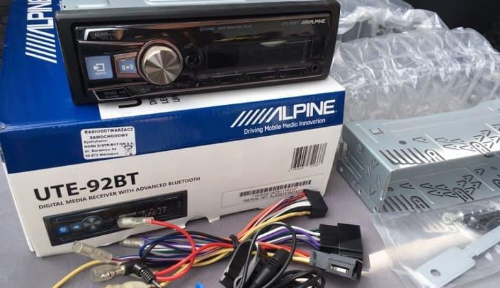 Комплектация Alpine UTE-92BT
