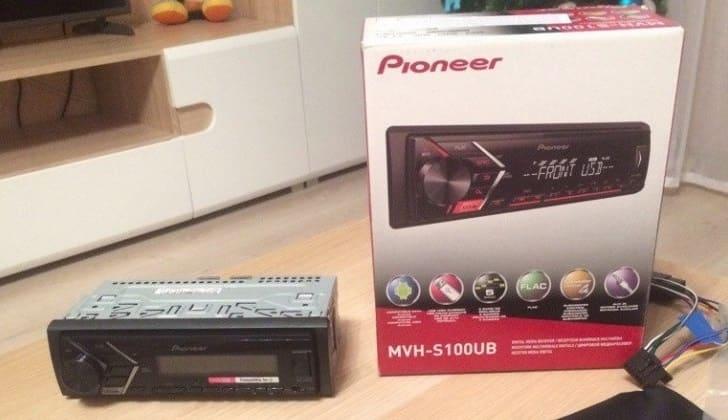 Комплектация Pioneer MVH-S100UB