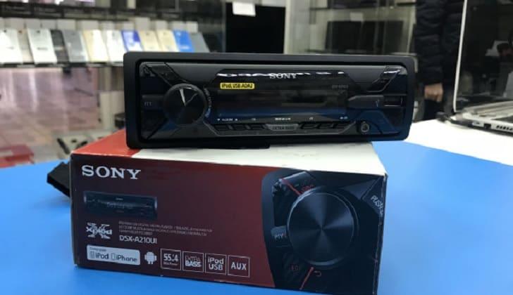 На упаковке Sony DSX-A210UI