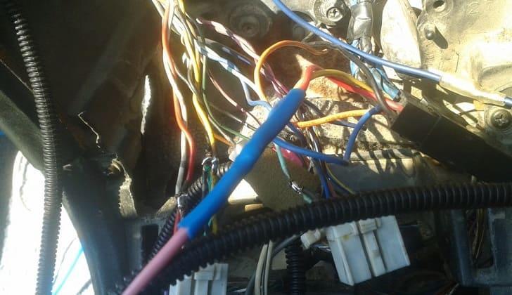 Обрыв кабеля магнитолы