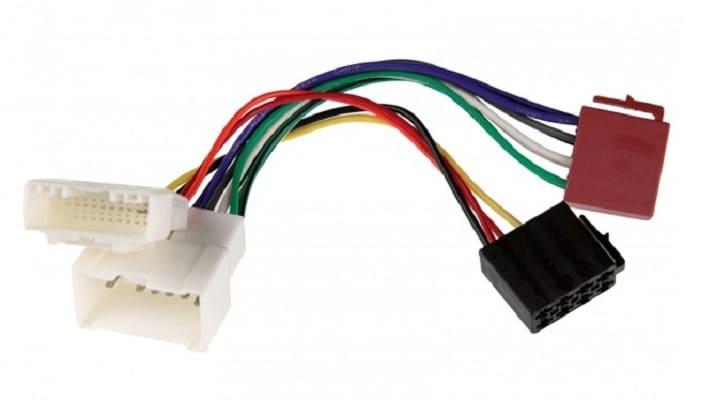Переходник ISO для подключения аудиопроигрывателя