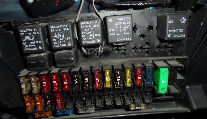 Предохранитель на магнитолу ВАЗ 2110