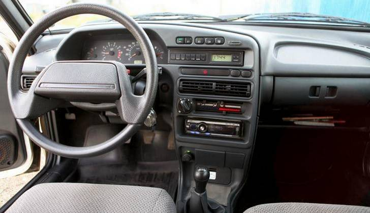 Салон автомобиля ВАЗ 2114