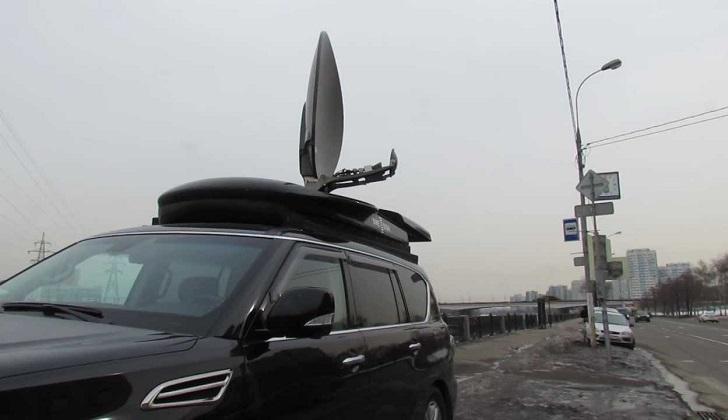 Спутниковый приёмник на машине