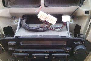 Как заменить штатную магнитолу в машине своими руками