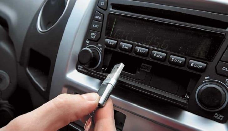 Флешка в машину