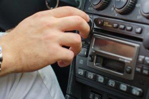 Как улучшить прием радио в машине и настроить магнитолу если плохо ловит сигнал