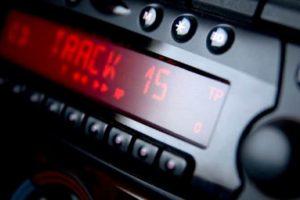 Рейтинг лучших 1 (2) DIN автомагнитол по качеству для автомобиля и как выбрать дешевый мафон в машину