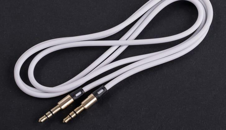 Специальный кабель с выходами