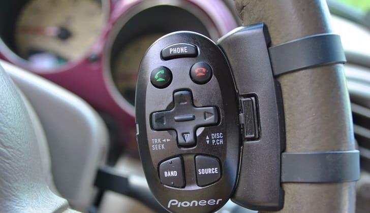 Универсальный пульт для автомагнитолы на руль