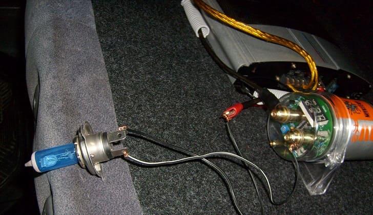 Установка конденсатора в багажник