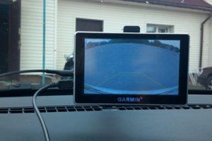 Как подключить камеру заднего вида к навигатору с видеовыходом и без