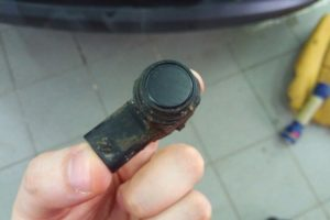 Как проверить датчик парктроника на работоспособность тестером (мультиметром)