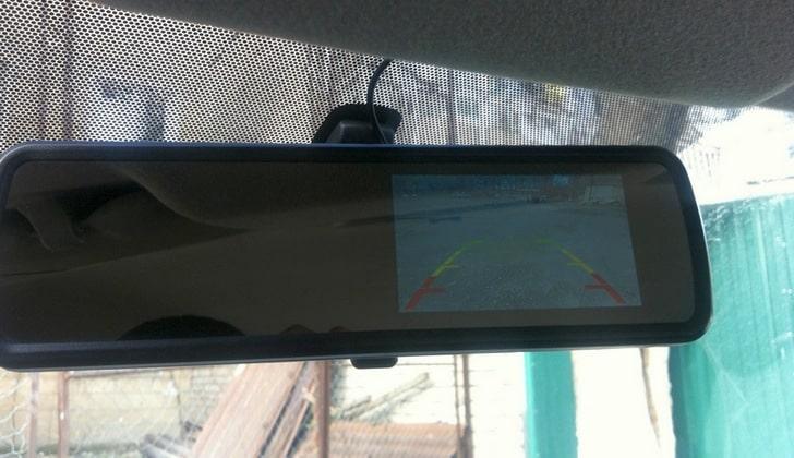 Камера с линиями парковки