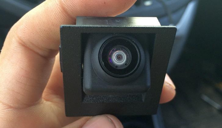 Штатная видеокамера авто