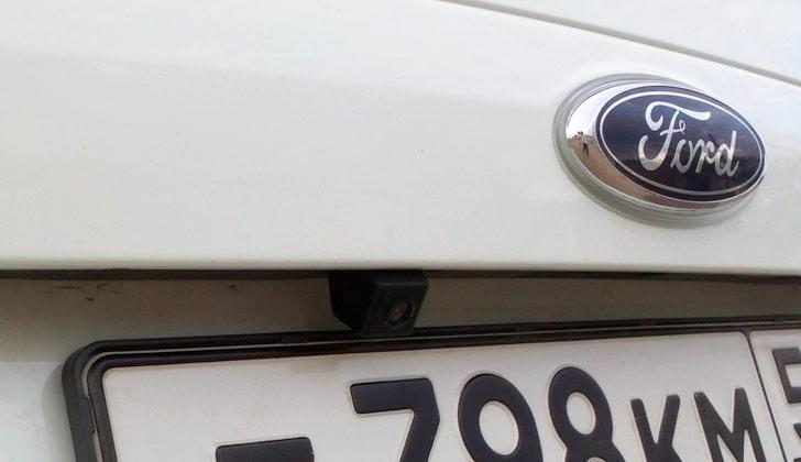 Видеокамера на машине Форд