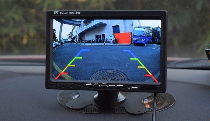 Изображение с камеры на мониторе