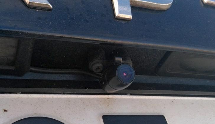 Маленькая автомобильная камера
