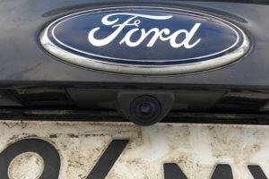 Как установить камеру заднего вида на Ford Kuga 2 своими руками