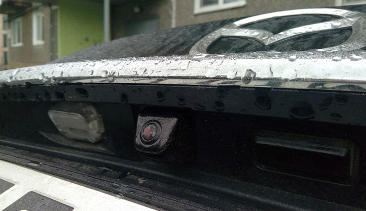 Видеокамера автомобиля Mazda