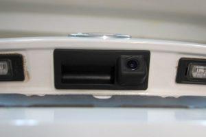 Как установить камеру заднего вида на Skoda Octavia A7 своими руками