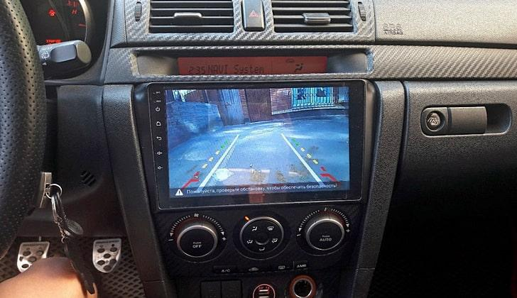 Зеркальная картинка парковочной камеры