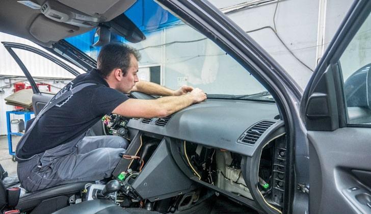 Демонтаж охранной системы авто