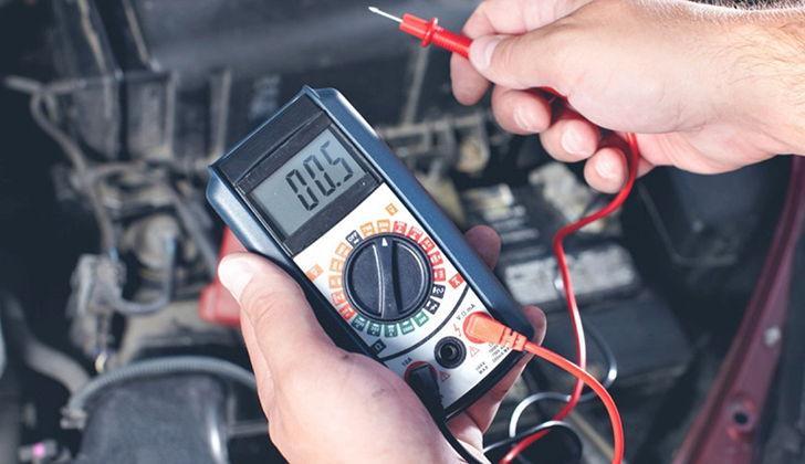 Проверка напряжения вольтметром