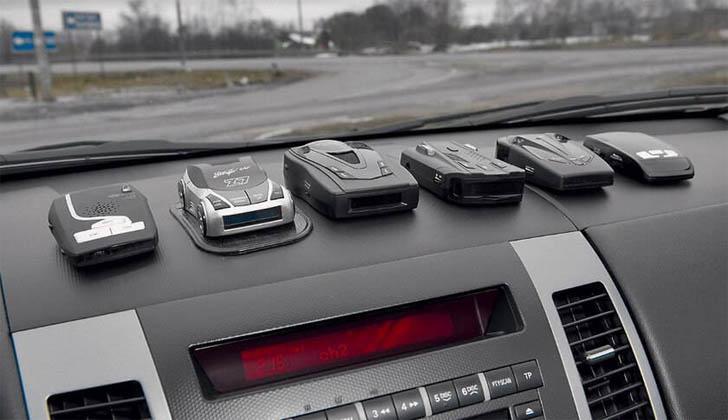 Радар-детектор в машине