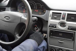 Как отключить иммобилайзер на автомобиле Lada Priora самостоятельно и что делать если не заводится двигатель