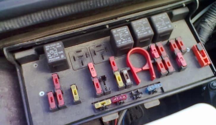 Блок предохранителей в ВАЗ-2107