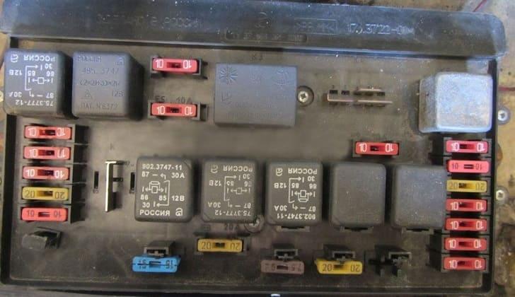 Блок предохранителей в ВАЗ-2109