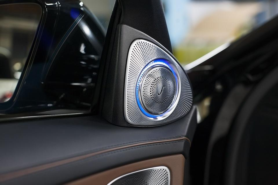 ВЧ динамики Burmester в Mercedes-Benz S-класса